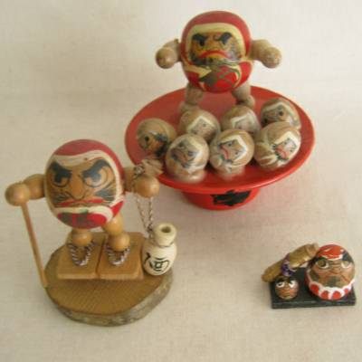 Daruma Japanese Wood Dolls, Lot of 3 (#1)
