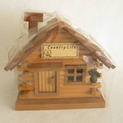 Vintage Wood Log Cabin Bank