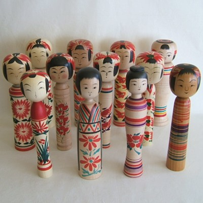 COMPLETE Traditional Kokeshi SET w/Case